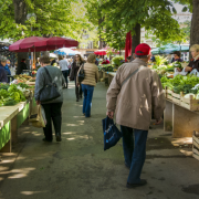 Marktstände im Sommer