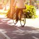 Fahrradfahrer auf Radweg (Copyright: Freepik)