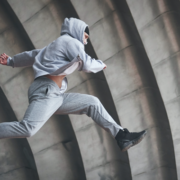 Parkour-Laeufer (Copyright: standret via Freepik)